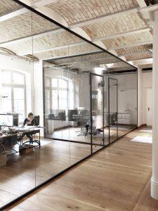 Glazen wand kantoor, glazen scheidingswanden met deuren